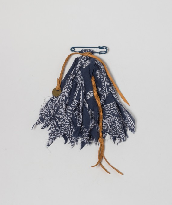 Pom Pom on kilt pin navy RTH